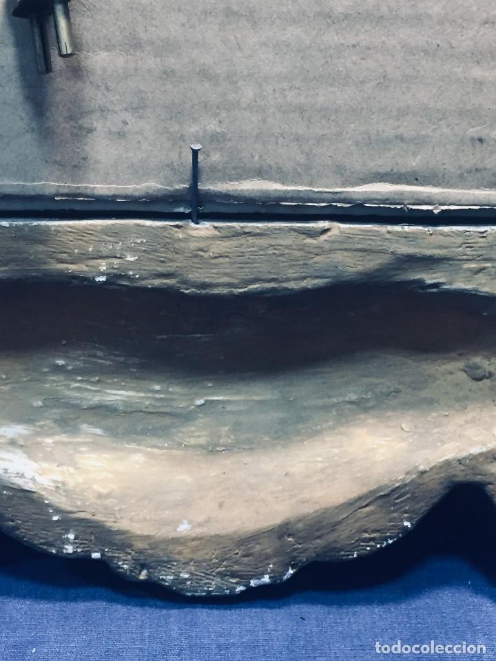 Antigüedades: HORNACINA MURAL ESCAYOLA DORADA IMAGEN VIRGEN PERPETUO SOCORRO FAROLILLOS HOJALATA - Foto 16 - 176197125