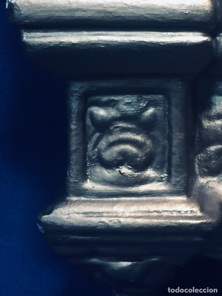 Antigüedades: HORNACINA MURAL ESCAYOLA DORADA IMAGEN VIRGEN PERPETUO SOCORRO FAROLILLOS HOJALATA - Foto 30 - 176197125