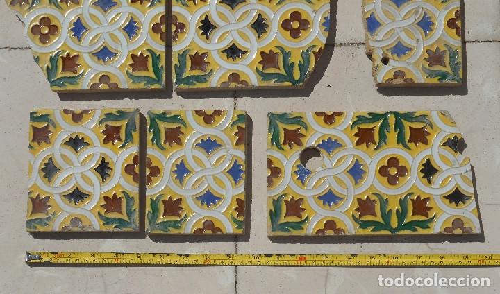 Antigüedades: LOTE DE RESTOS DE AZULEJOS DE TRIANA CERÁMICA MENSAQUE , RODRIGUEZ Y CÍA. SIGLO XIX - Foto 3 - 176267988