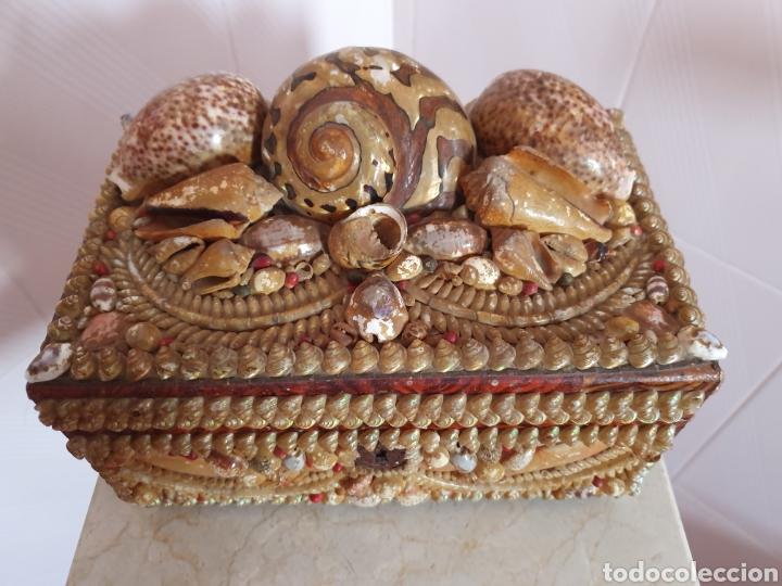 Antigüedades: EXQUISITA Y ANTIGUA CAJA JOYERO DECORADA CON CONCHAS - Foto 3 - 176275828