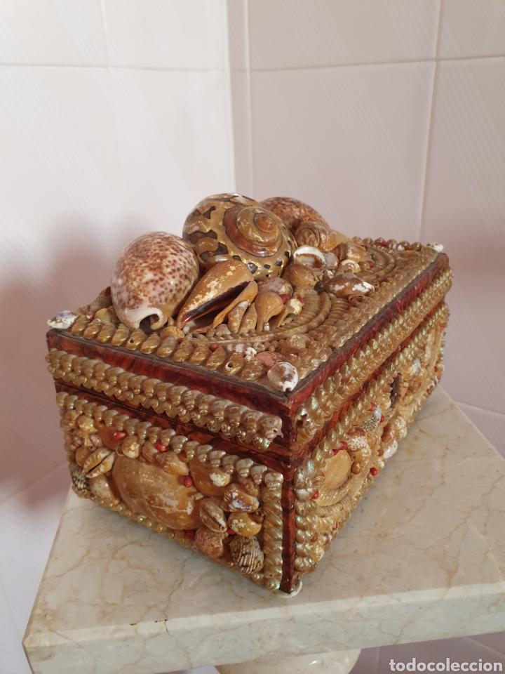 Antigüedades: EXQUISITA Y ANTIGUA CAJA JOYERO DECORADA CON CONCHAS - Foto 5 - 176275828