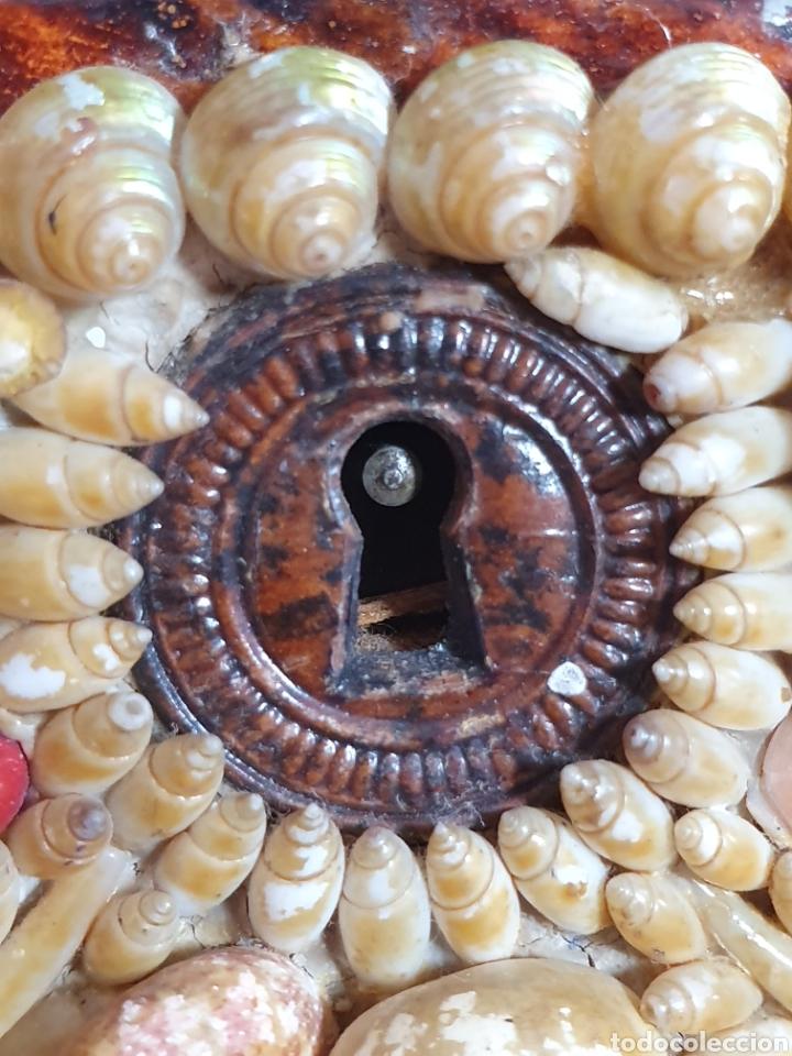 Antigüedades: EXQUISITA Y ANTIGUA CAJA JOYERO DECORADA CON CONCHAS - Foto 11 - 176275828