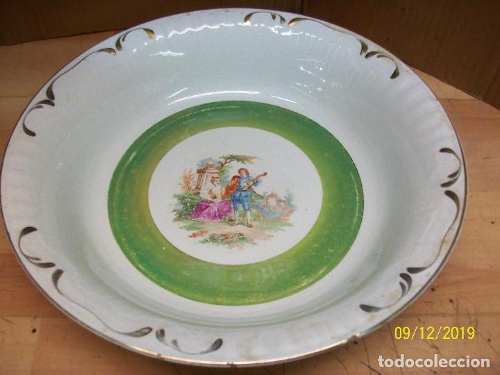 ANTIGUA FUENTE DE LA CARTUJA-PIKMAN (Antigüedades - Porcelanas y Cerámicas - La Cartuja Pickman)