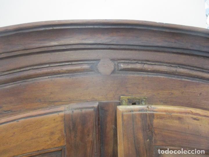 Antigüedades: Antiguo Armario Barroco Catalán - Carlos III - Madera de Nogal - Tiradores de Bronce - S. XVIII - Foto 13 - 176313244
