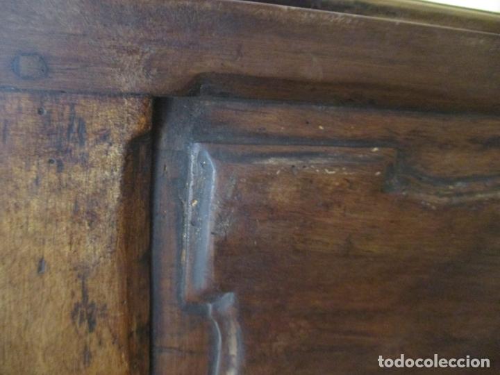 Antigüedades: Antiguo Armario Barroco Catalán - Carlos III - Madera de Nogal - Tiradores de Bronce - S. XVIII - Foto 20 - 176313244