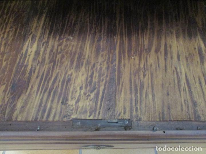 Antigüedades: Antiguo Armario Barroco Catalán - Carlos III - Madera de Nogal - Tiradores de Bronce - S. XVIII - Foto 29 - 176313244