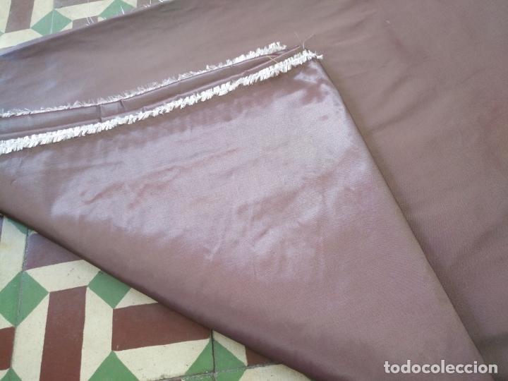 Antigüedades: 3 metros x 2,5 metros tela malva tornasol tipo tafetan ideal manto virgen tunica cristo semana santa - Foto 2 - 176318884