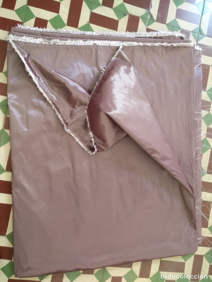 Antigüedades: 3 metros x 2,5 metros tela malva tornasol tipo tafetan ideal manto virgen tunica cristo semana santa - Foto 8 - 176318884