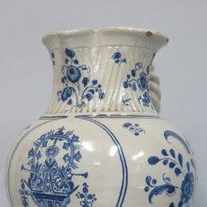 Antigüedades: ANTIGUA JARRA DE BOLA DE RUIZ DE LUNA. VIRGEN DEL PRADO. TALAVERA. ASA SOGUEADA. AÑOS 30. Lote 176343213