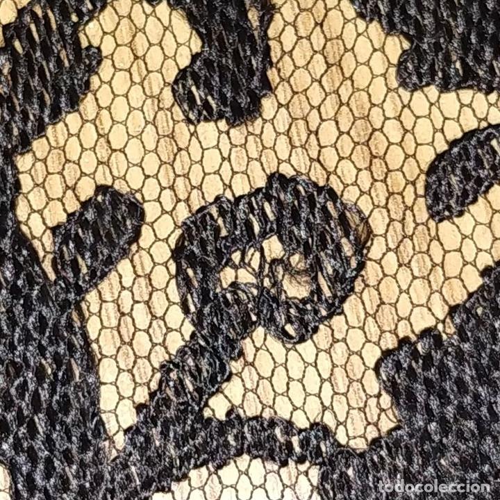 Antigüedades: GRAN MANTILLA. 240X105. BORDADO A MANO SOBRE TUL. ESPAÑA. XIX-XX - Foto 8 - 176343678