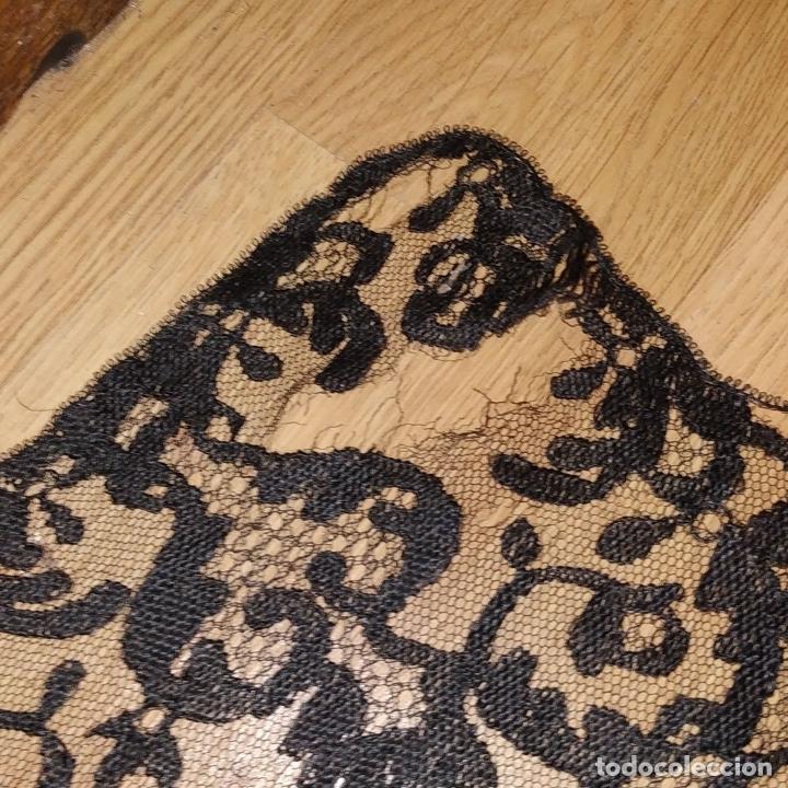 Antigüedades: GRAN MANTILLA. 240X105. BORDADO A MANO SOBRE TUL. ESPAÑA. XIX-XX - Foto 13 - 176343678