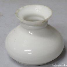 Antigüedades: ANTIGUO TULIPA DE OPALINA PARA QUINQUE. Lote 176345153