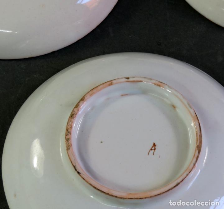 Antigüedades: Ocho platos de postre en cerámica de Alcora serie del ramito siglo XIX - Foto 7 - 176346550