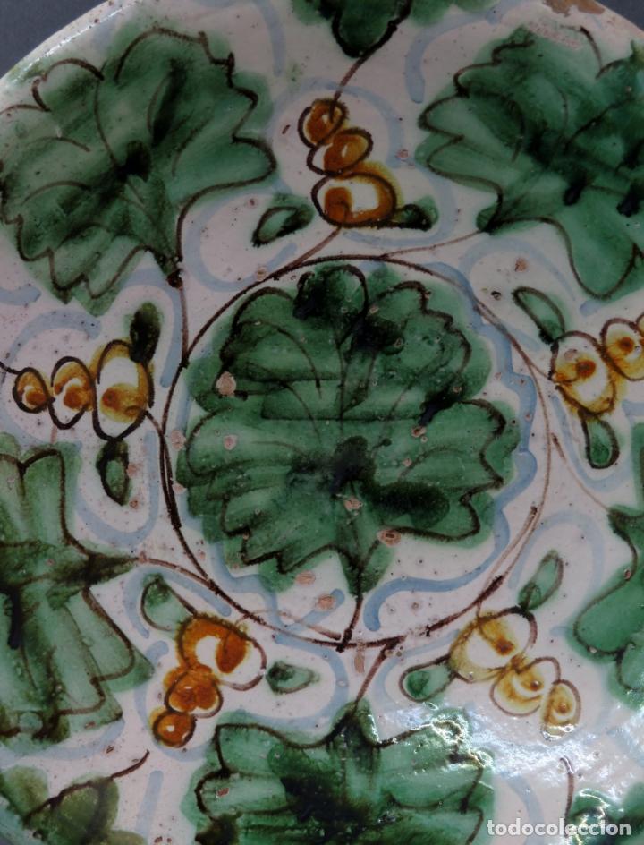 Antigüedades: Plato acuencado en cerámica de Teruel decoración vegetal principios del siglo XIX - Foto 2 - 176346925