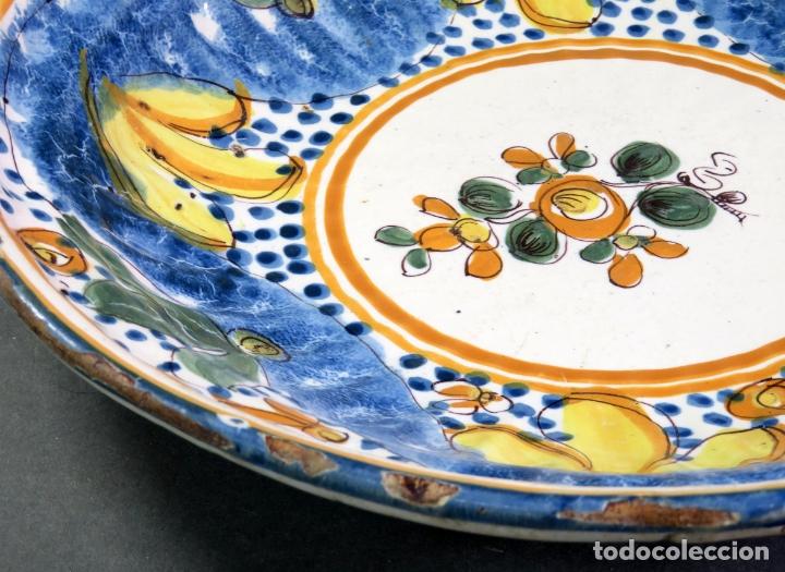 Antigüedades: Plato acuencado en cerámica Manises Arenas con marca de alfar marca AS siglo XIX - Foto 4 - 176354689