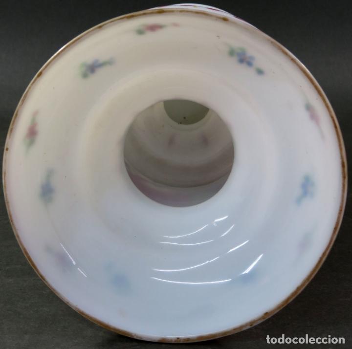 Antigüedades: Jarrón en cristal opalina de La Granja pintado a mano siglo XIX - Foto 4 - 176366210
