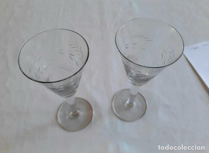Antigüedades: R 1912 2 copas de cristal sopladio y tallado a mano - principios siglo XIX - Foto 5 - 176454177