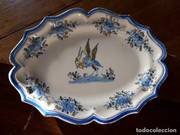 BANDEJA DE PERFIL LOBULADO (Antigüedades - Porcelanas y Cerámicas - Alcora)