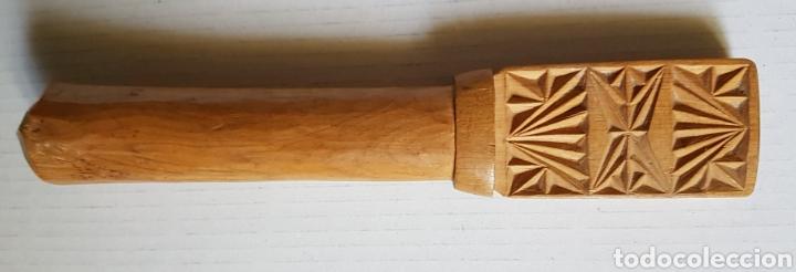 Antigüedades: Magnífica pieza arte pastoril cierre de collar cencerro - Foto 2 - 176466225