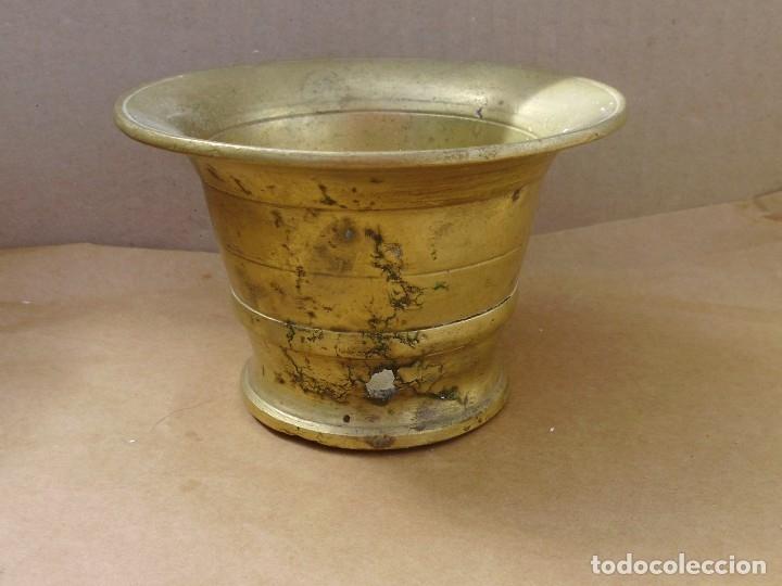 Antigüedades: ANTIGUO ALMIREZ O MORTERO DE BRONCE MUY USADO MIRA LAS FOTOS - Foto 4 - 176488723