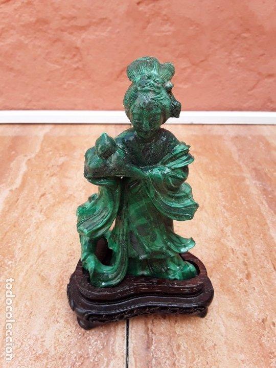 FIGURA DE MALAQUITA TALLADA (Antigüedades - Porcelanas y Cerámicas - China)