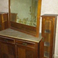 Antigüedades: APARADOR ANTIGUO CON ESPEJO. Lote 175809947