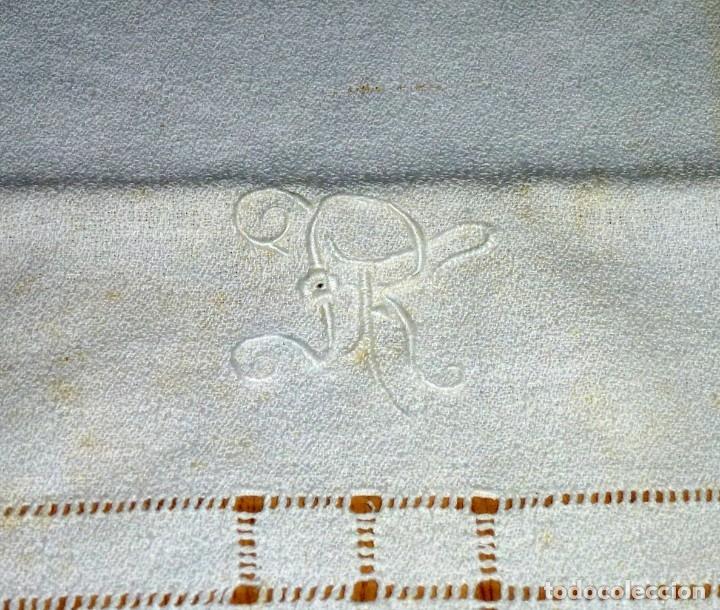 Antigüedades: Antiguo paño,toalla de algodon con iniciales bordadas. - Foto 3 - 176493052