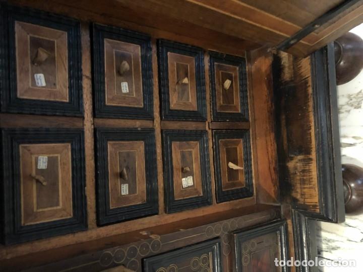 Antigüedades: MAGNIFICO BARGUEÑO ESTILO ITALIANO CON CAREY Y BRONCE - Foto 4 - 176506033