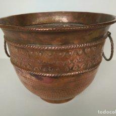 Antigüedades: ANTIGUO MACETERO DE COBRE. Lote 176510129