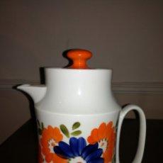 Antigüedades: CAFETERA VINTAGE EN PORCELANA HISPANOGAR. Lote 176510780