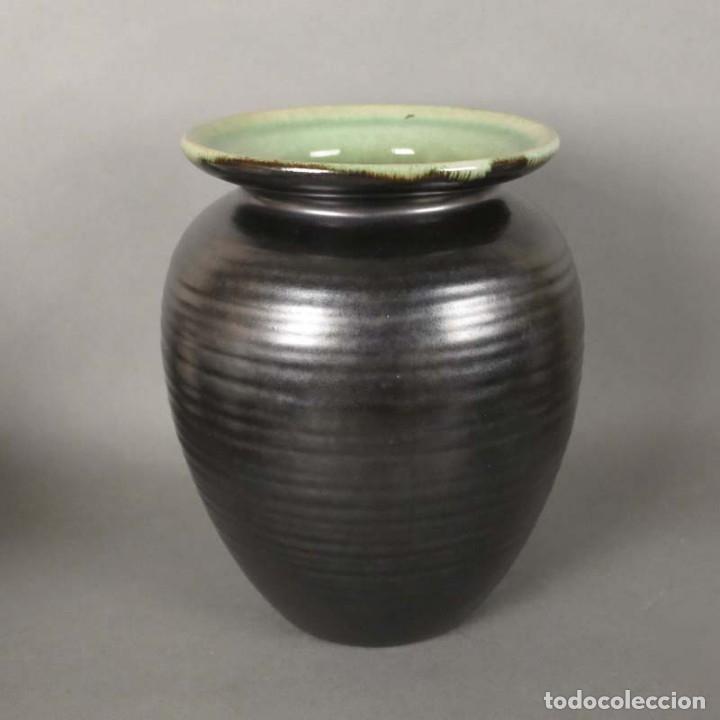Antigüedades: Florero de ceramica de la Majolika Karlsruhe de Martha Katzer. 1939 - Foto 2 - 176511168