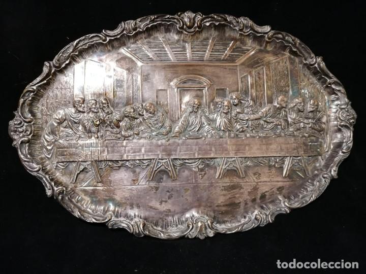 Antigüedades: Antigua bandeja cincelada baño plata de escena la Ultima Cena - Foto 6 - 176531705