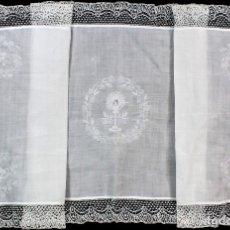 Antigüedades: 81A PRECIOSO PAÑO DE ALTAR ANTIGUO, BORDADO A MANO, BATISTA. . Lote 176533709