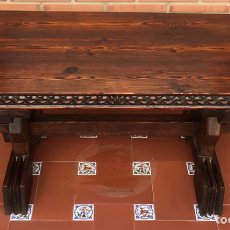 Antigüedades: ANTIGUA MESA FRANCESA EN MADERA MACIZA TALLADA. Lote 176561563