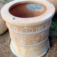 Antigüedades: BONITO BROCAL POZO, BARRO, VILLARROBLEDO AÑO 1945, PERFECTO ESTADO ALTURA 76 CM, ESCASA PIEZA. Lote 176577868