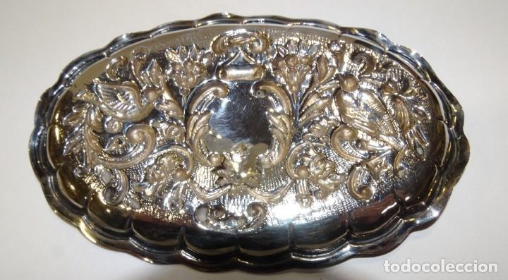 Antigüedades: BANDEJA DE PLATA CON CONTRASTE REPUJADA - Foto 5 - 176587574