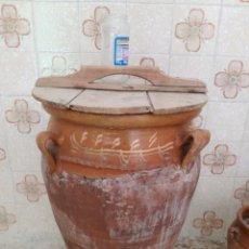 Antigüedades: ORZA O TINAJA DE MATANZA VIDRIADA CON TAPA.. Lote 176604802