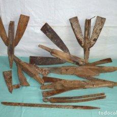 Antigüedades: LOTE ANTIGUO DE PIEZAS DE ARADO.. Lote 176607500