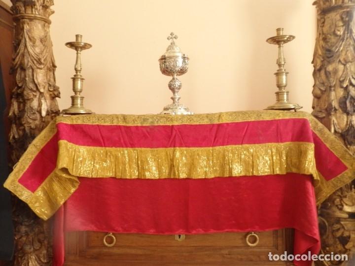 FRENTE DE ALTAR CONFECCIONADO EN LAMÉ ITALIANO. 160 X 25 CM. SIGLO XX. (Antigüedades - Religiosas - Ornamentos Antiguos)