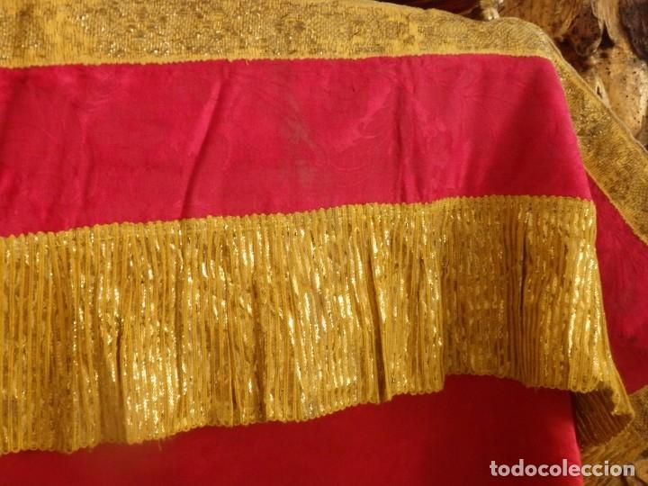 Antigüedades: Frente de altar confeccionado en lamé italiano. 160 x 25 cm. Siglo XX. - Foto 6 - 176698570