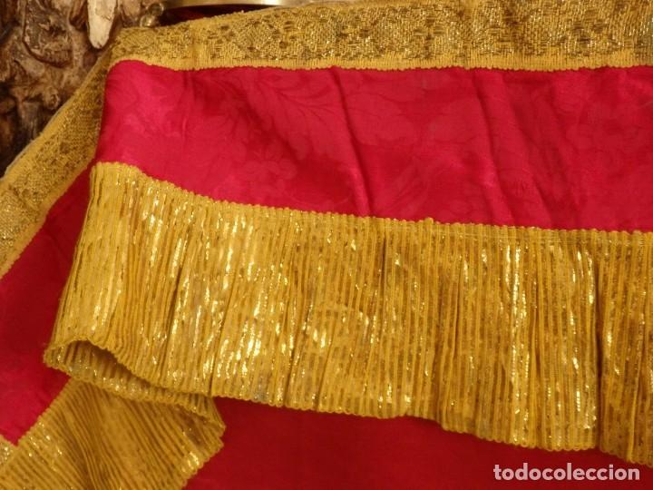Antigüedades: Frente de altar confeccionado en lamé italiano. 160 x 25 cm. Siglo XX. - Foto 7 - 176698570