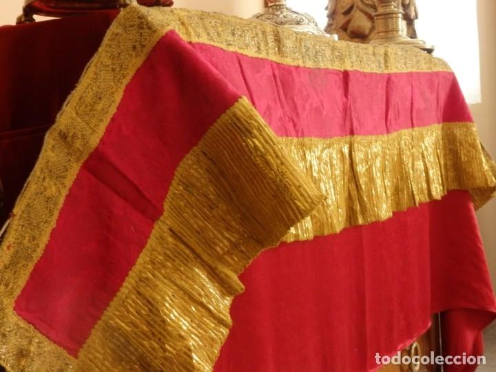 Antigüedades: Frente de altar confeccionado en lamé italiano. 160 x 25 cm. Siglo XX. - Foto 8 - 176698570