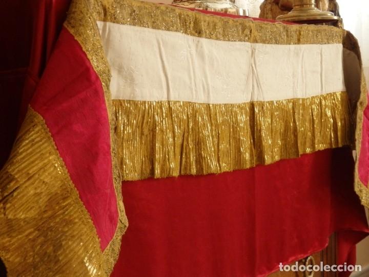 Antigüedades: Frente de altar confeccionado en lamé italiano. 160 x 25 cm. Siglo XX. - Foto 11 - 176698570