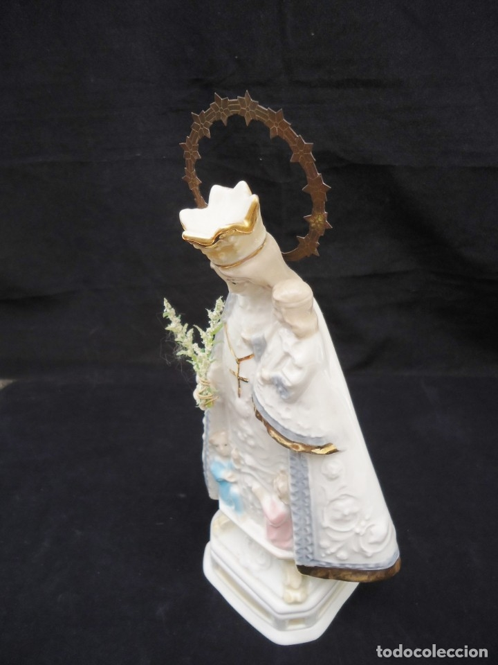 Antigüedades: Figura de ceramica Virgen con niño y corona de latón y buen tamaño - Foto 10 - 162823294