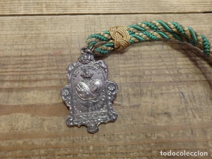 Antigüedades: SEMANA SANTA SEVILLA, MEDALLA CON CORDON HERMANDAD DE LA MACARENA - Foto 2 - 176718993