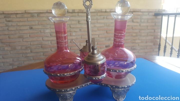 VINAGRERAS MUY ANTIGUAS TALLADAS EN CRÌSTAL ROSA (Antigüedades - Cristal y Vidrio - Bohemia)