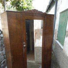 Antigüedades: ARMARIO DE MADERA. Lote 176766510