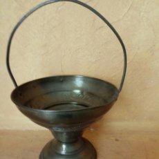 Antigüedades: BANDEJA METAL ANTIGUA. Lote 176781393