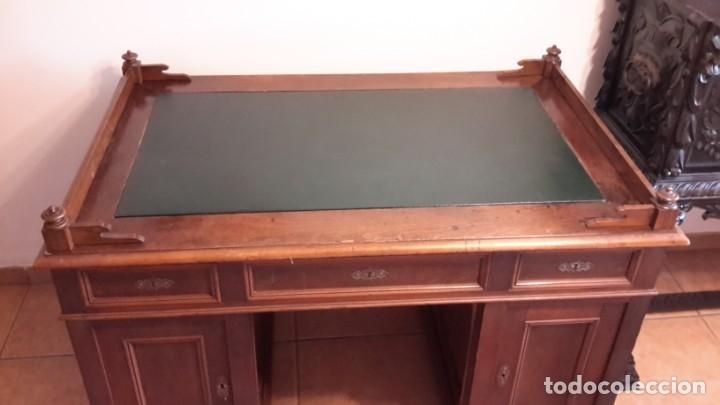 Antigüedades: Fantástico escritorio / despacho castellano con cuero - Foto 7 - 176781442