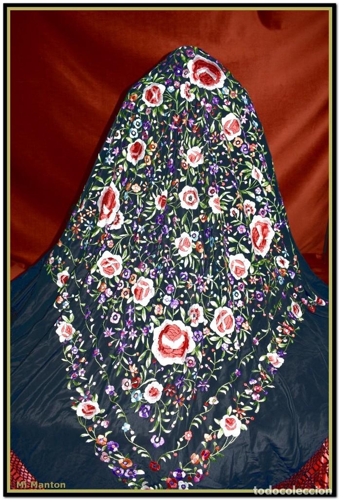 Antigüedades: Mantón de Manila seda bordado a mano 150 x 150 cm mas enrejado y fleco - Foto 2 - 176791502